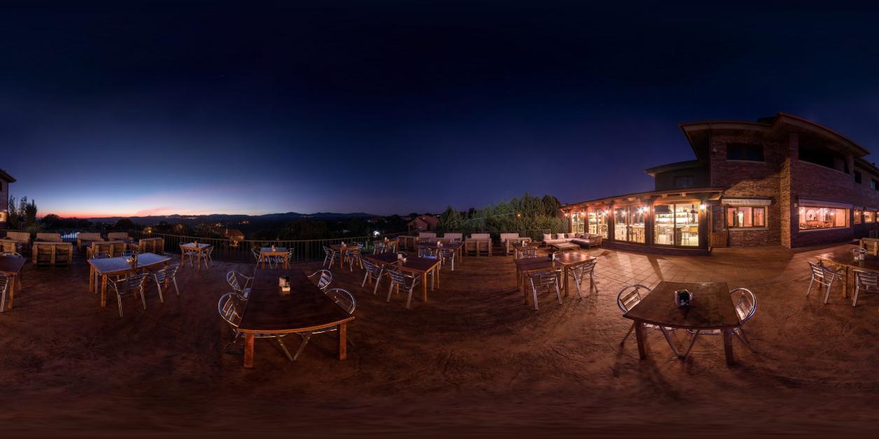 La casa de t came roque terraza nocturna woow 360 for Terrazas nocturnas madrid